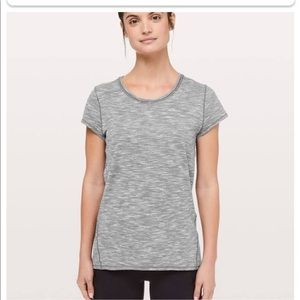 Lululemon another mile tee size 6